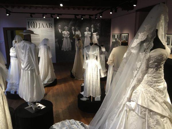 Verschillende witte bruidsjurken