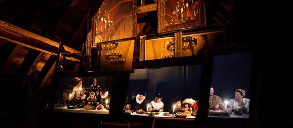 Schilderijen met taferelen bij kaarslicht op zolder