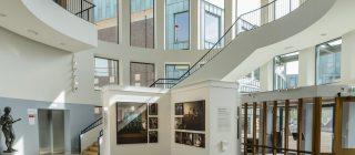 Foto van de entree van Museum Helmond.